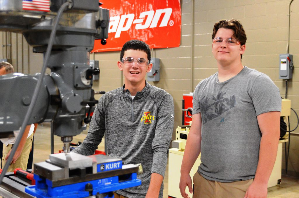 Students in the Advanced Manufacturing Lab